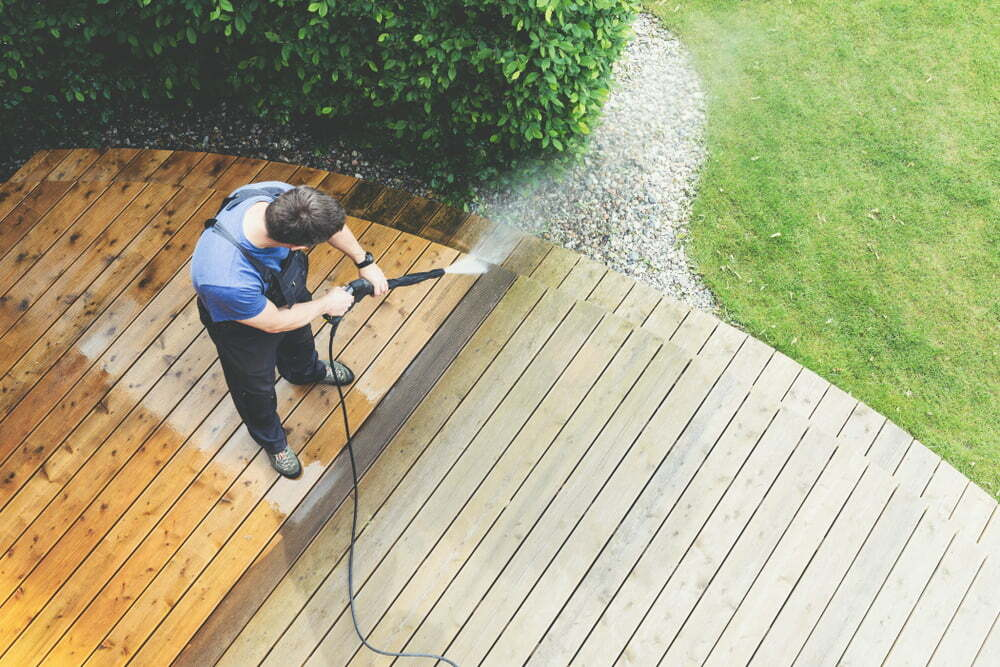 Soft Washing vs. Pressure Washing for Your Home